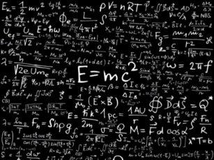 数式の書かれた黒板