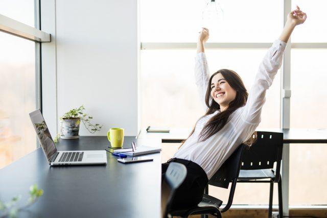 内定者の声|営業事務職から女流エンジニアに!
