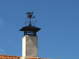 風見鶏と青空