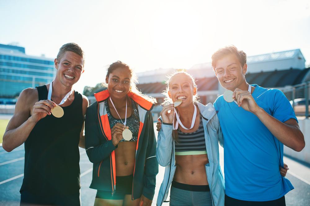 メダルを獲得したオリンピック選手