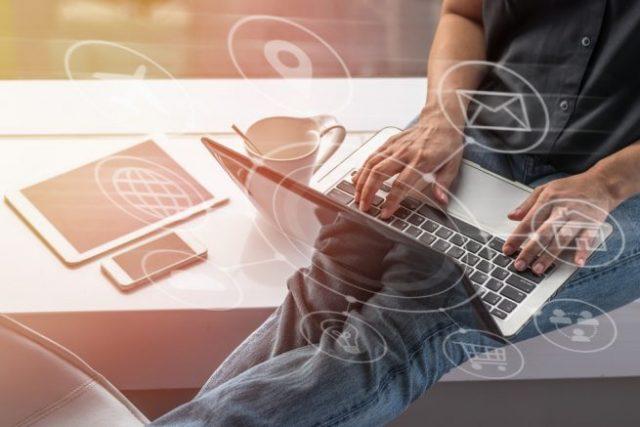 既卒のための業界解説|これから伸びるIT業界の注目キーワード「IoT」とは?
