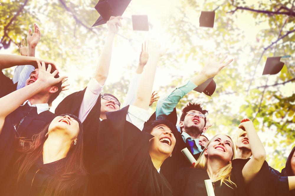 理系の大学を卒業した学生たち