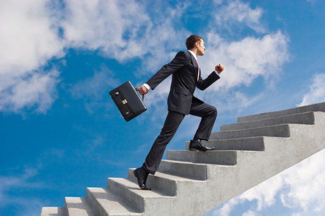 理系の転職は専門性が高まる「キャリアアップ」を目指そう!