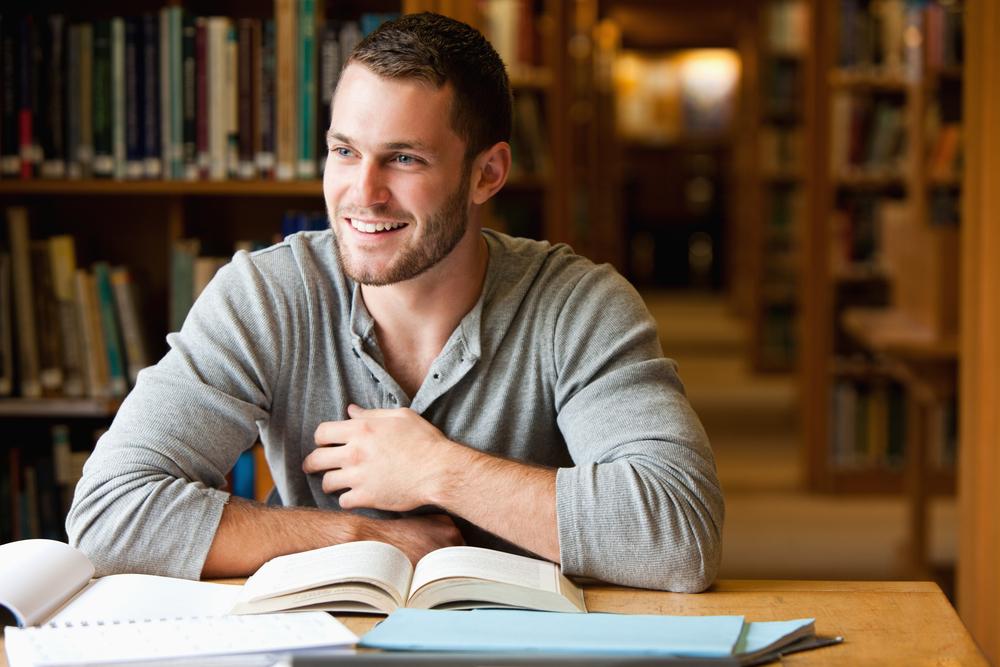 笑顔の大学院生