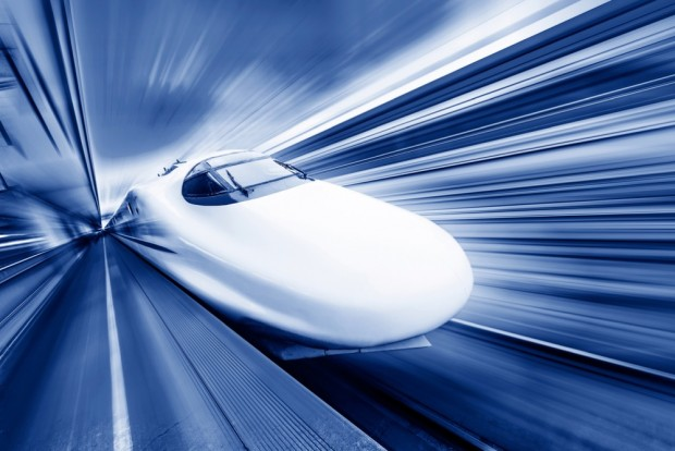 高速で走る電導リニア