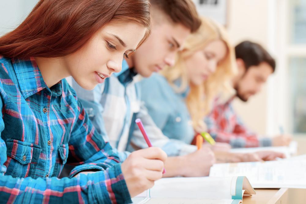 あなどるなかれ!就活成功のカギを握る筆記試験の傾向と対策