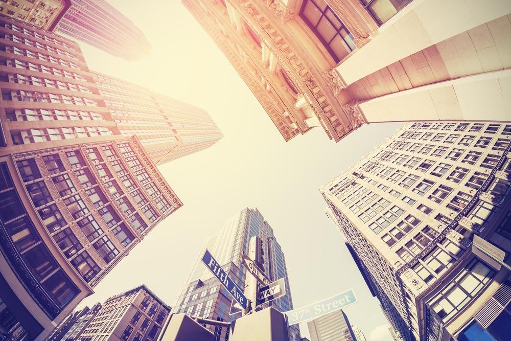 高層ビルが立ち並ぶオフィス街