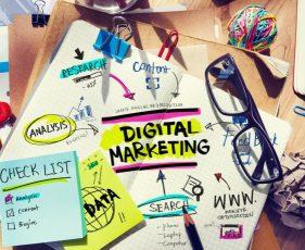 デジタルマーケティングについて書かれたノート