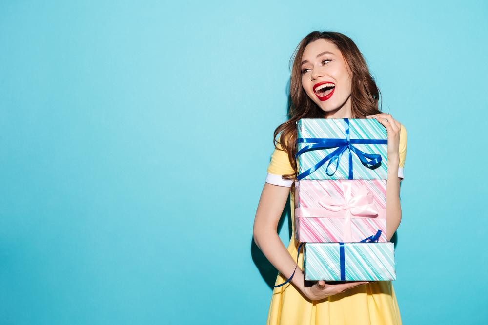 【UZUZ緊急企画】チャンネル登録1000人達成でAmazonギフト券が当たる!プレゼントキャンペーン!