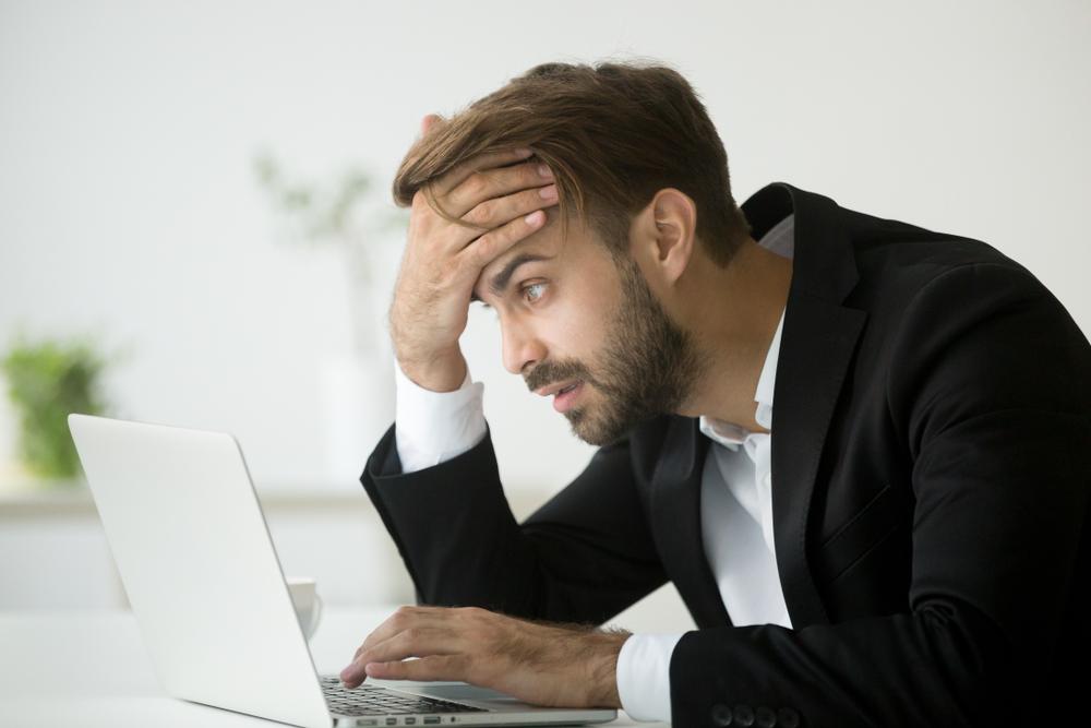 どうやって就職すれば良いかわからず、悩んでいる男性